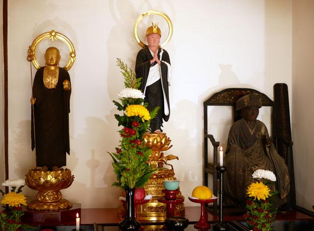 哀愍寺の仏像
